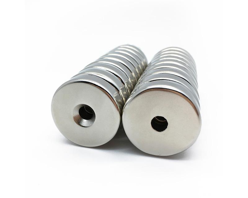 大型定制圆形沉头孔N52钕铁硼磁铁